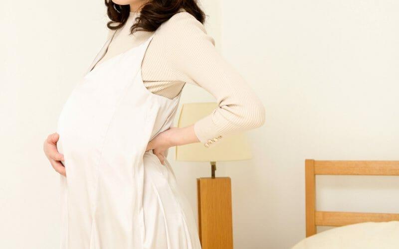 妊娠中の腰痛や肩こり